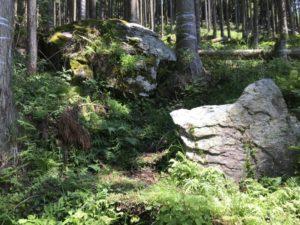 信長の隠れ岩