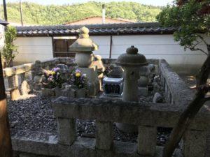 石田三成供養塔