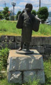 黒井駅前のお福像
