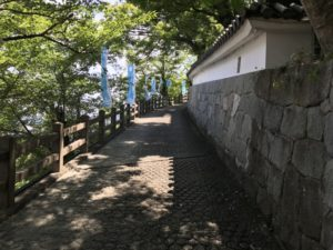 福地山城への道