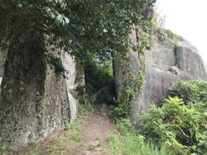 苗木城・天守台と馬洗岩