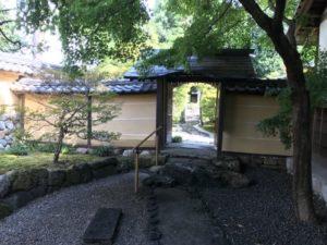 崇福寺・廟所入り口