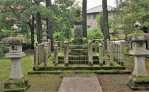 朝倉義景公の墓