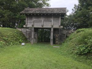 鳥越城跡 中の丸門