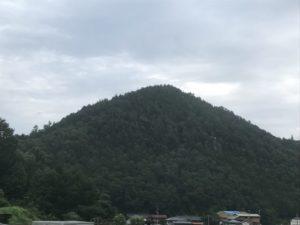 鍋山城跡・遠景