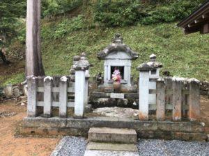 五代目 義景公墓所