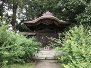 新田義貞公霊廟