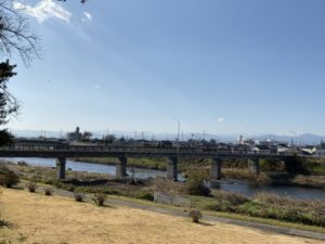 伊勢崎市図書館裏の河川