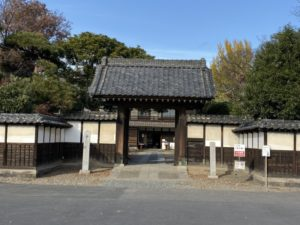 渋沢栄一「中の家」正門