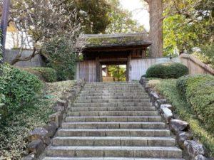 戸定が丘歴史公園 入り口の門