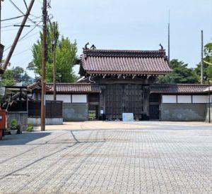 勝興寺・総門