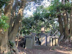 <三浦義意(みうらよしおき)公の供養墓>