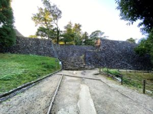 水の手門跡 石垣