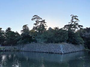 夕暮れの松江城