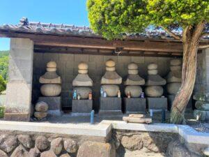 加藤一族の墓