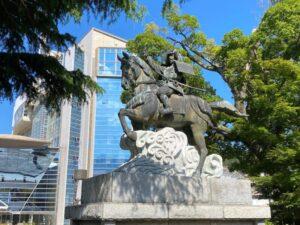 伊東祐親公の像