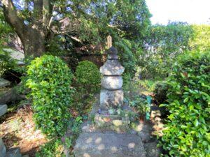 伝 伊藤祐親の墓所