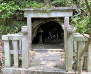 島津忠久公の墓