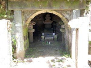 毛利季光の墓