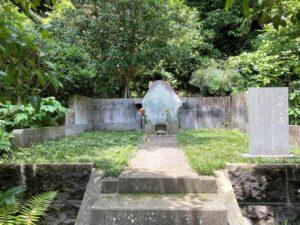 竹御所(源媄子)(源鞠子)の墓