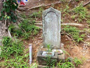 木曽清水冠者義高公の墓