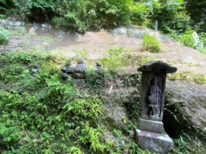 梶原御霊神社の供養塔
