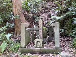 太田道灌公の墓(源氏山公園)