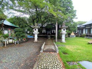 大泉寺の境内