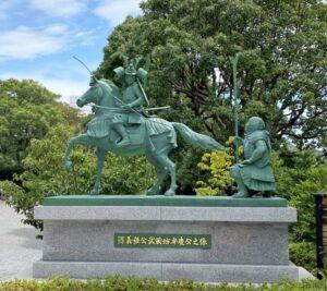 源義経公と武蔵坊弁慶(白幡神社)