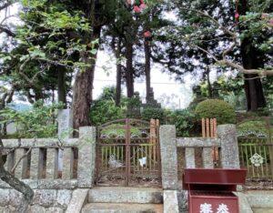 曽我兄弟の墓(宝篋印塔)